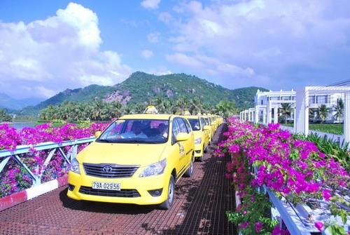 quảng cáo trên taxi vàng