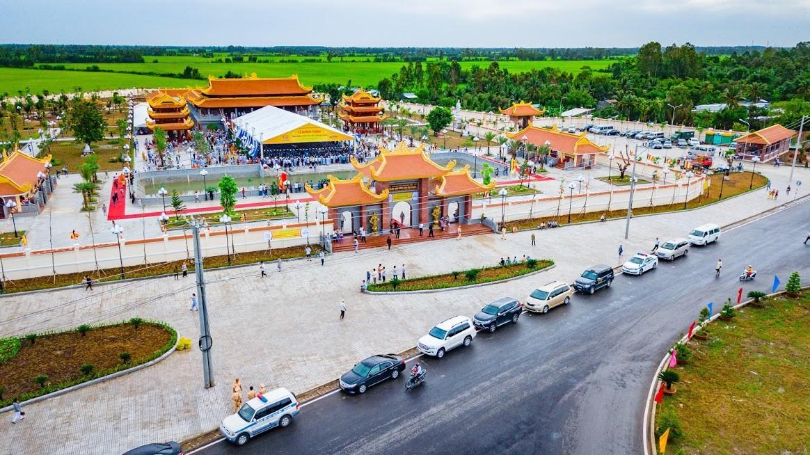 quảng cáo xe taxi ở Hậu Giang