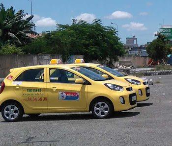 quang-cao-tren-xe-taxi-va-nhung-loi-phat-trien-tai-long-an