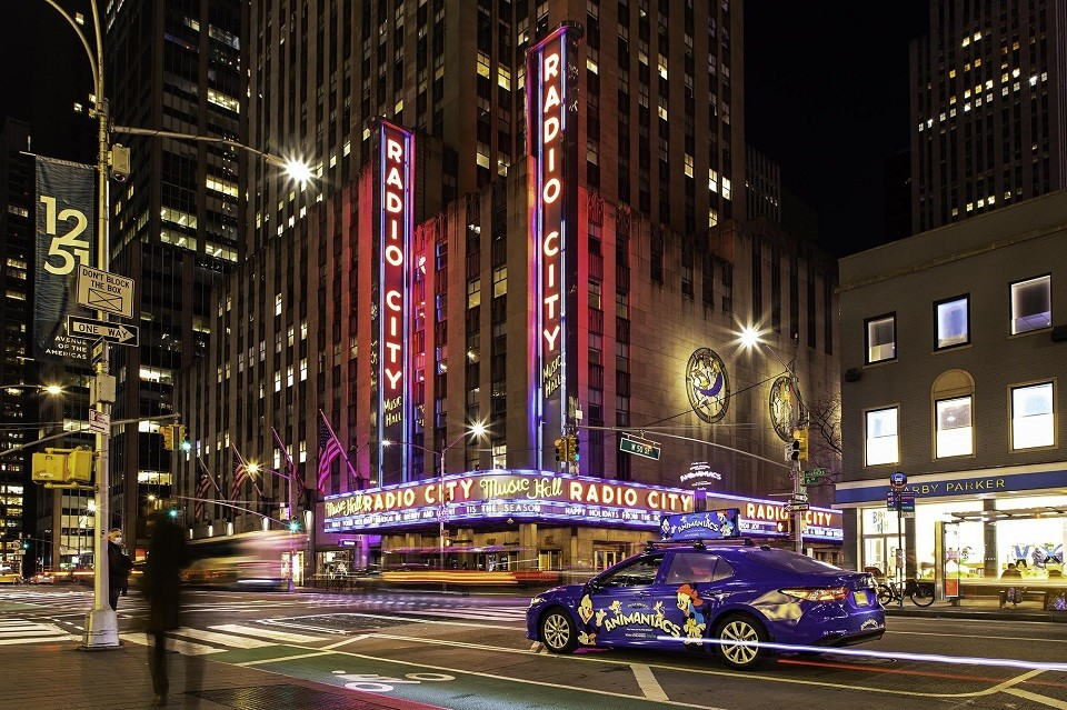 quảng cáo taxi cho animaniacs
